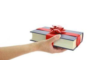 «Добрый учебник в подарок»: волонтеры объявили о новой акции
