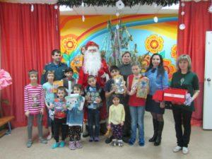 Сотрудники Павловского районного отделения ВДПО приняли участие в благотворительной акции «Спасатель Дед Мороз»