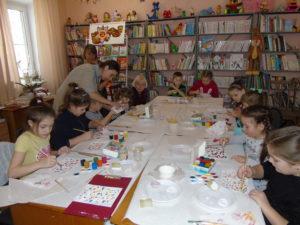 Для семилукских детей прошел мастер-класс по традиционной народной росписи
