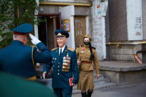 Волонтёры торжественно вручили Письмо Победы ветерану Н.Н. Борисову